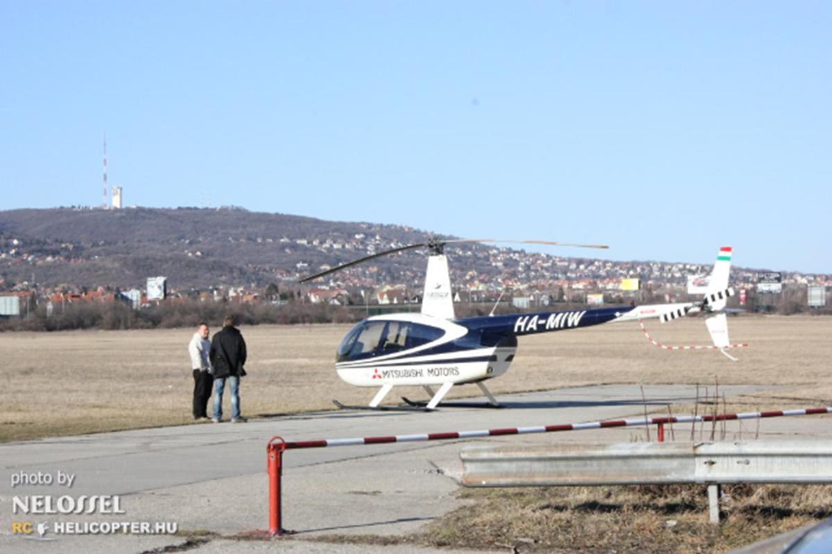 Robinson R44 HA-MIW Start